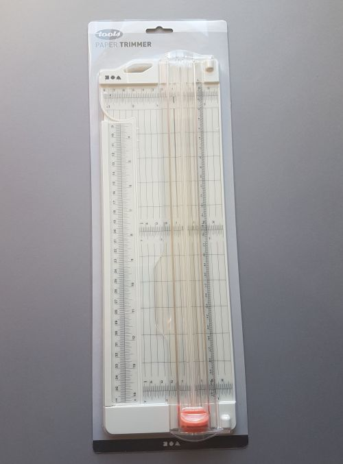 Paberitrimmer, A4 paberile, sirge lõige